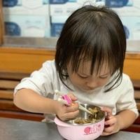 [奇哥_抗菌不鏽鋼學習碗]學習吃飯的好朋友,陳鵝蛋的餐具代表之一